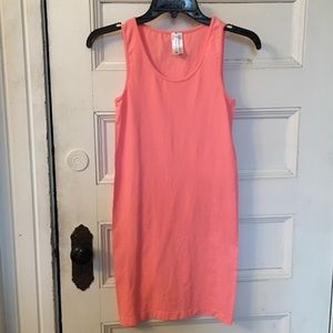 Dresses & Skirts - NWOT pink bodycon dress